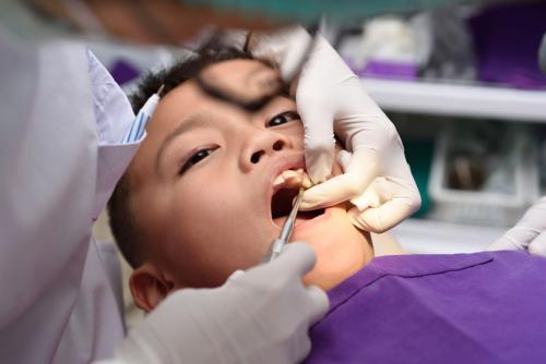 什么情况下孩子需要拔乳牙?