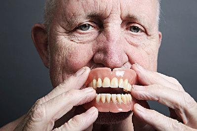 老年人口腔护理应该注意哪些